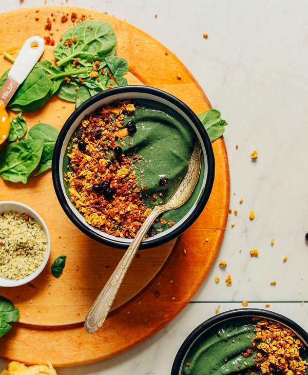 6 Inspiring Plant-Based Accounts <br> To Follow