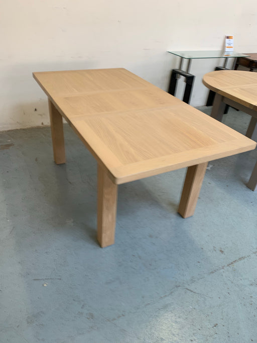 Somerset Extending Table - Clearance Factors