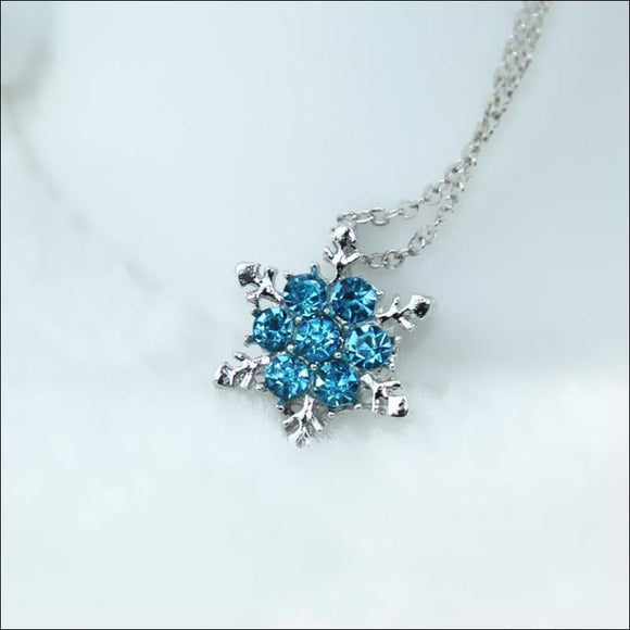 Snowflake Zircon Flower Necklace - AmazinTrends.com