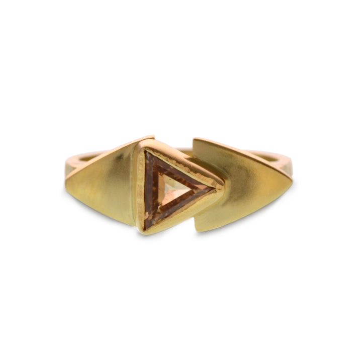 ONE OF A KIND PEACH COLORED TRIANGULAR DIAMOND AND 18KT YELLOW GOLD RING