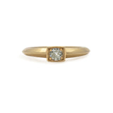 DIAMOND SOLITAIRE PETITE GOLD RING