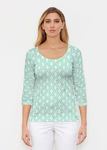 Coastal Lace Green (7686) ~ Signature 3/4 Sleeve Scoop Shirt