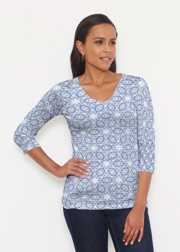 Toss Up Daisy (7716) ~ Signature 3/4 V-Neck Shirt