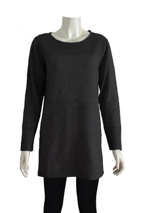 Ladies' long knit sweater with long sleeves