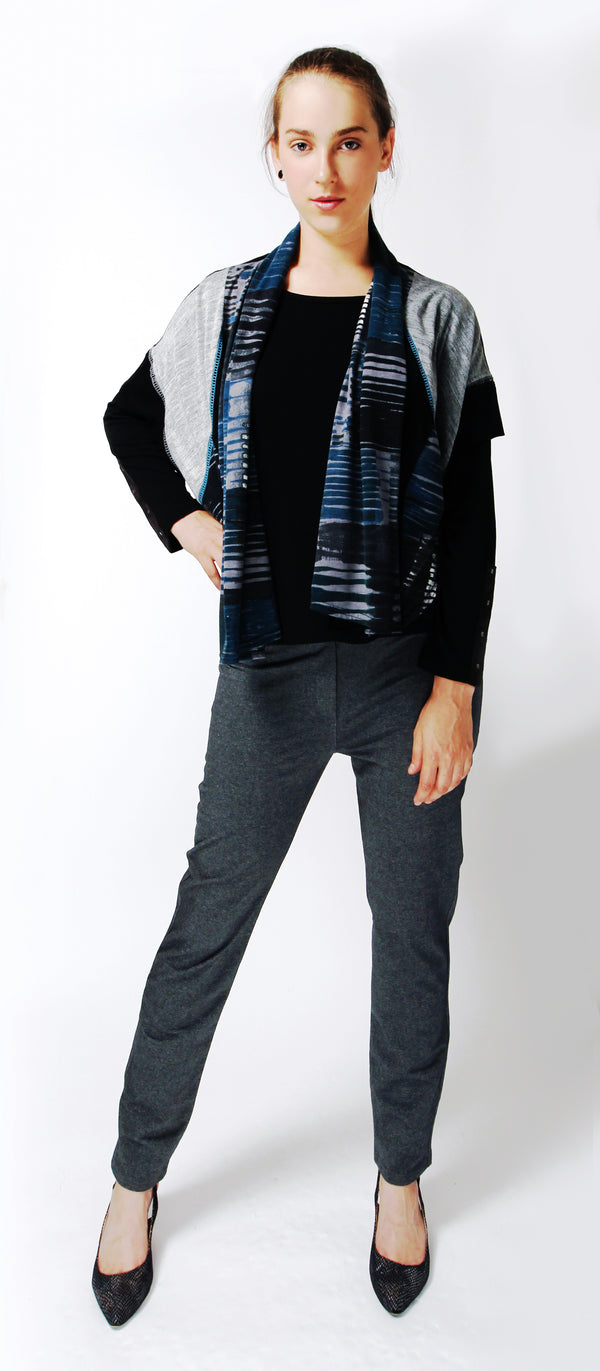 V-neck cardigan with mid-sleeves