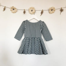 emerald gingham 3/4 sleeve dress