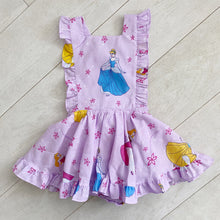 vintage character pinafore a // size 4t