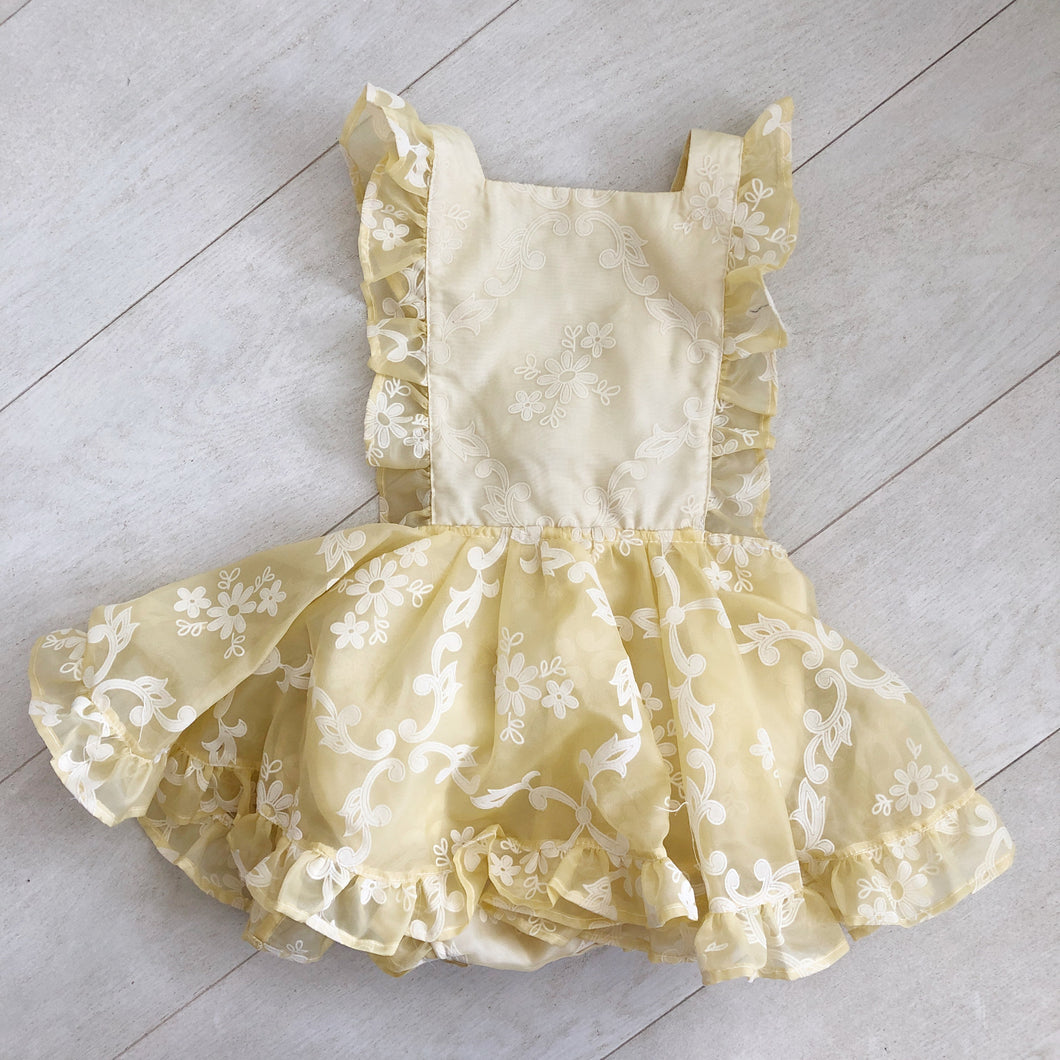 vintage pale yellow flocked pinafore 4t