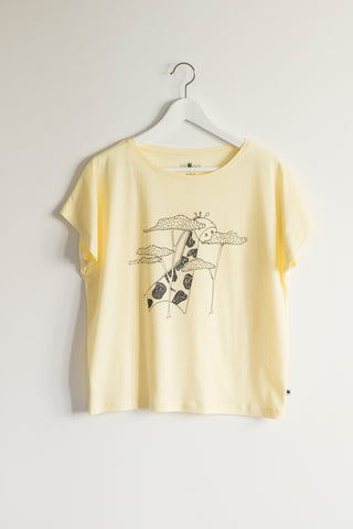"""Mama"" Tshirt - The Giraffe"