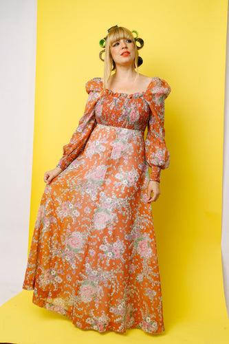 1970s BOHEMIAN FLORAL SMOCKED DRESS