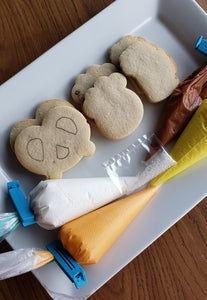 Snack themed decorating kit