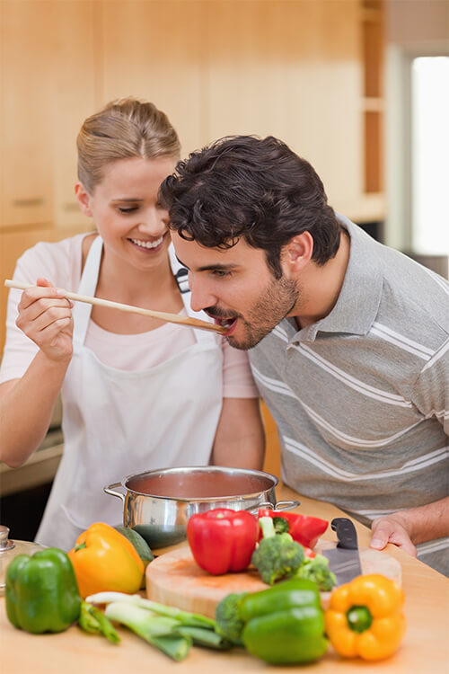 couples cooking