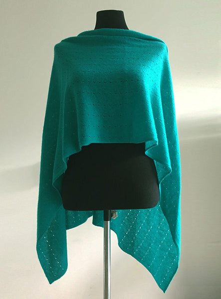 Multiwear lacy Poncho in Emerald