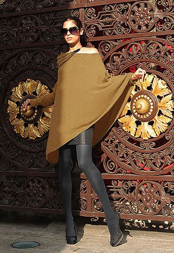 One sleeve cashmere poncho in Camel
