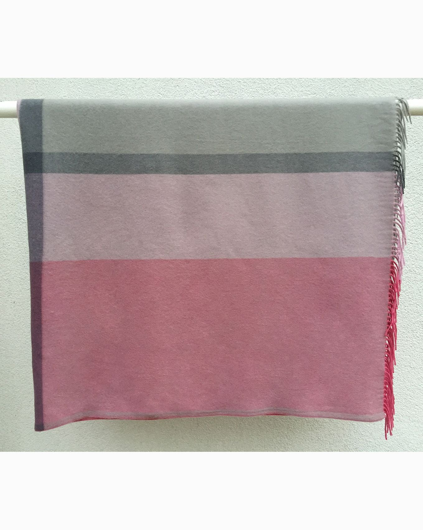 Cashmere throw wrap in pink and stone