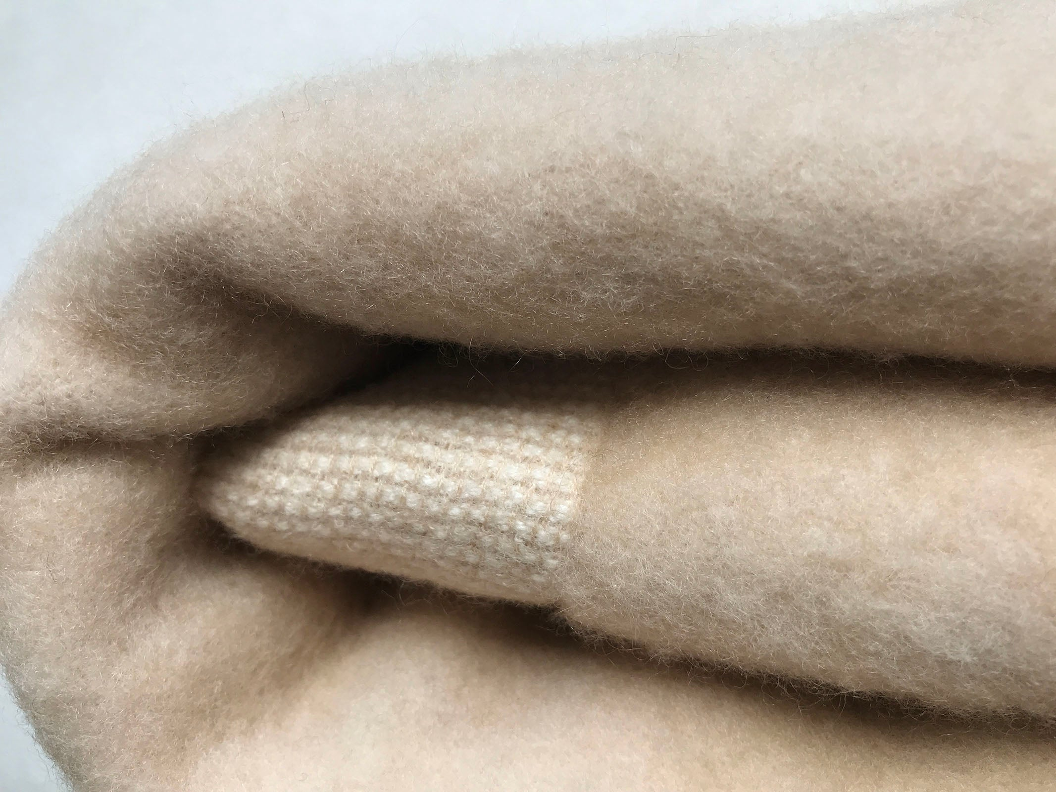 Pure cashmere blanket in Beige 200x145cm
