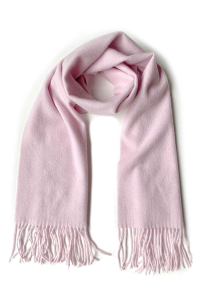 Unisex cashmere scarf with fringes in light soft icy pink
