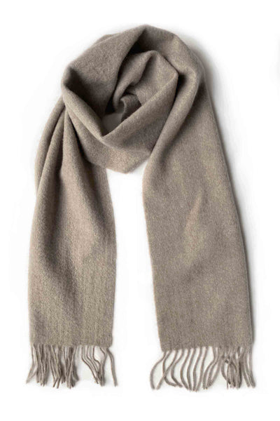 Narrow unisex cashmere scarf with fringes in biscuit natural