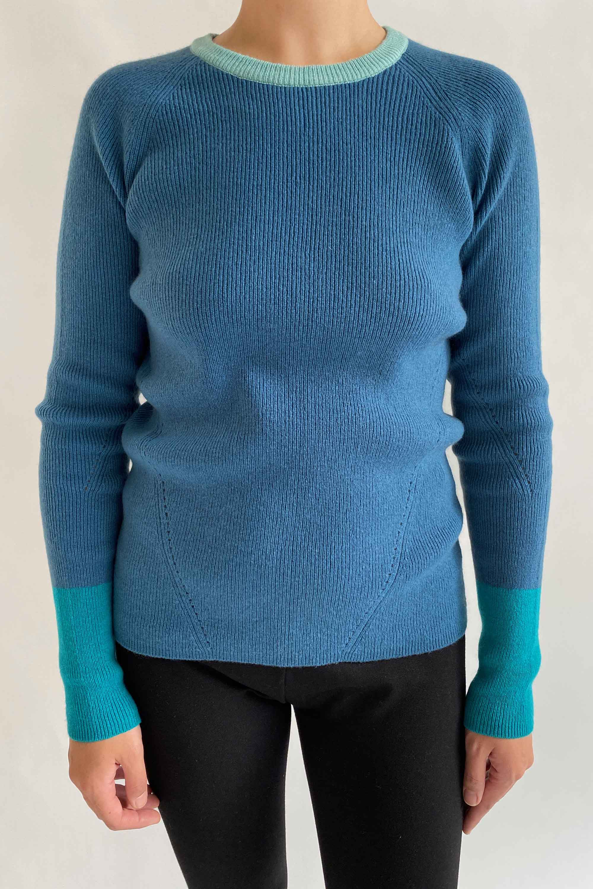 100% pure cashmere thick colour block jumper in teal blue turquoise
