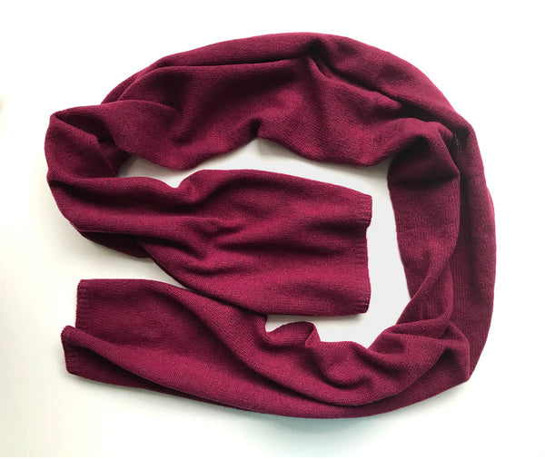 Small light weight plain cashmere scarf in Burgundy