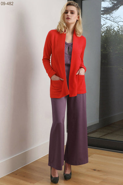 Boxy cashmere cardigan with pockets in bright red
