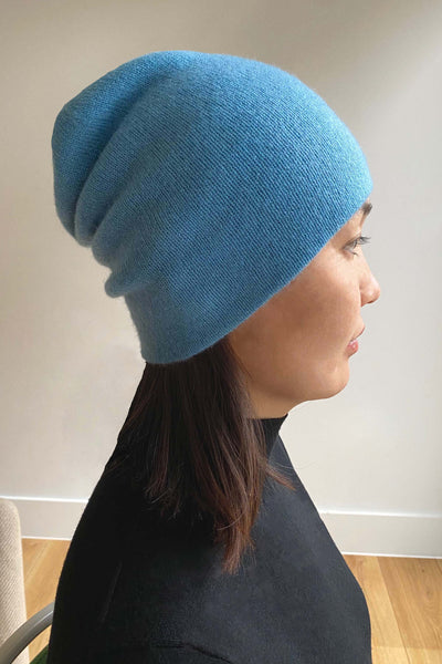 Womens cashmere beanie hat in sky blue
