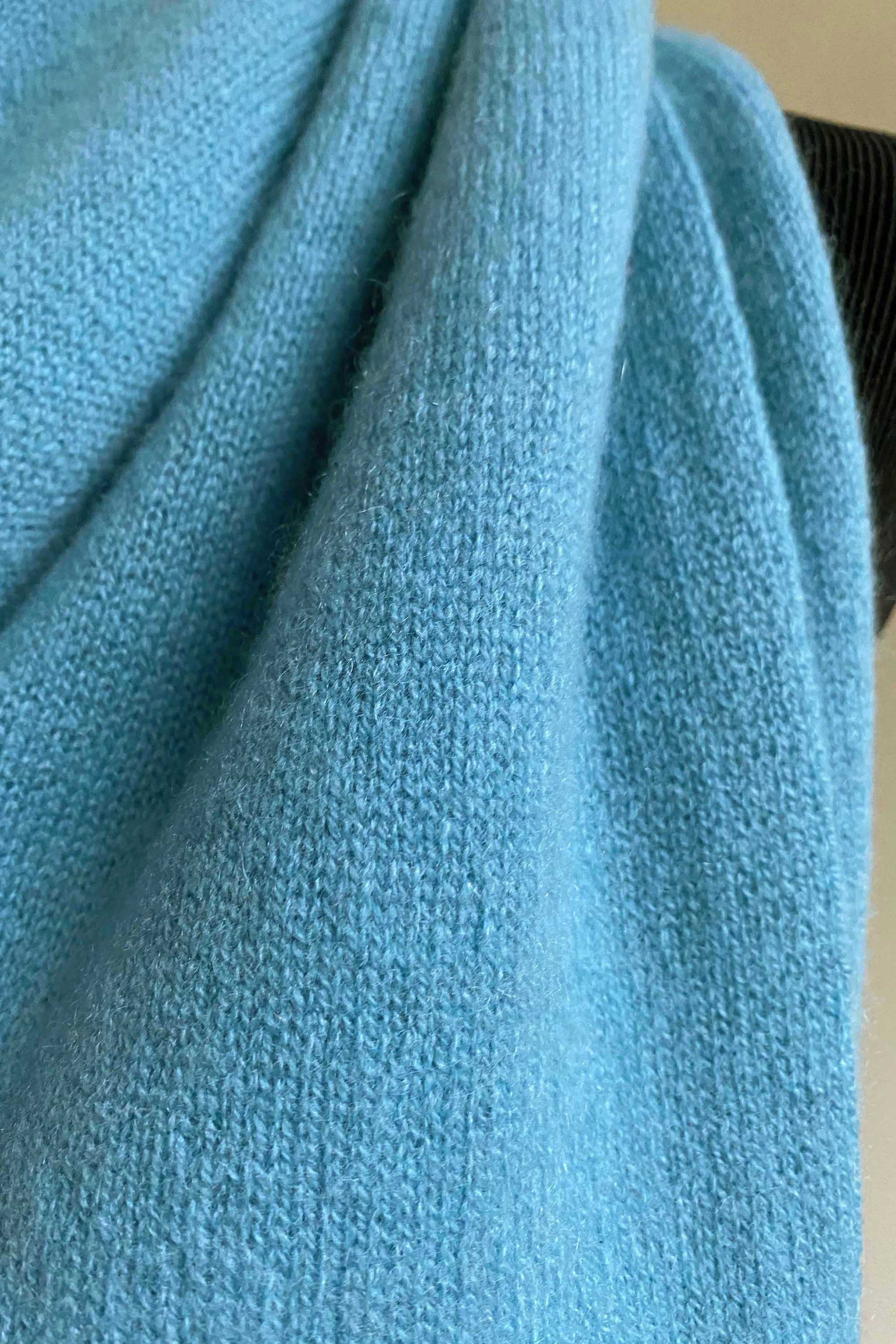 Bundle offer for women's cashmere hat, scarf and gloves in sky blue