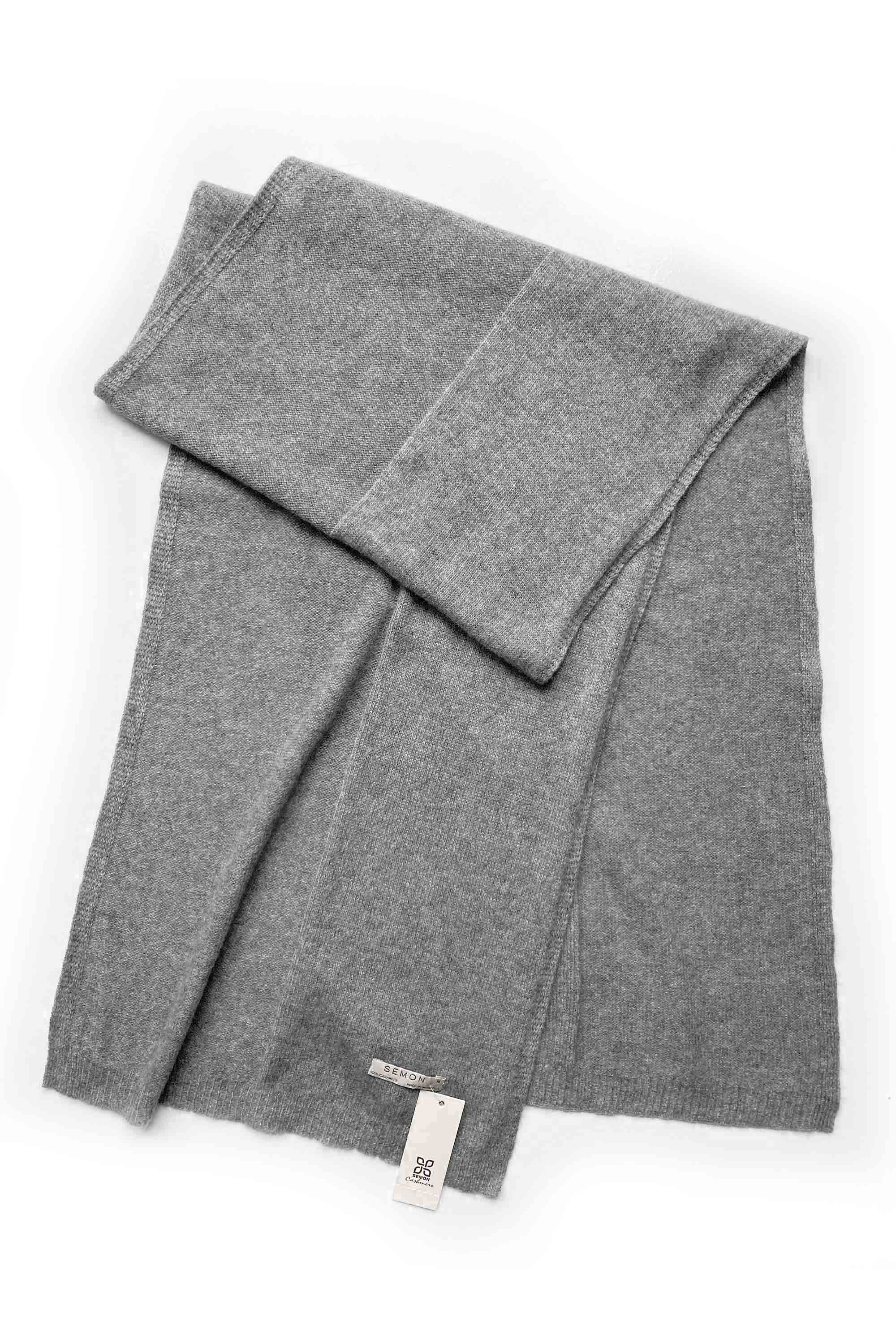 100% pure cashmere Medium sized plain lightweight cashmere scarf in mid grey | SEMON Cashmere