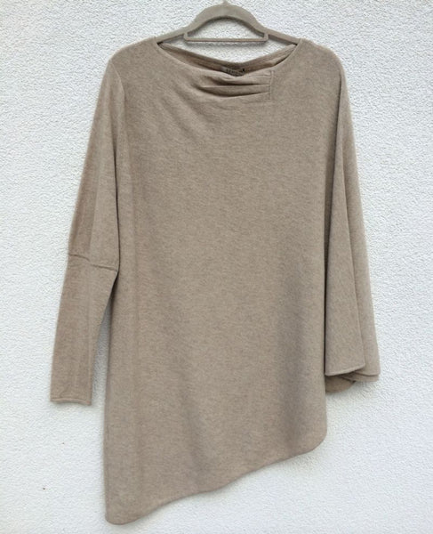 One sleeve cashmere poncho in Oat