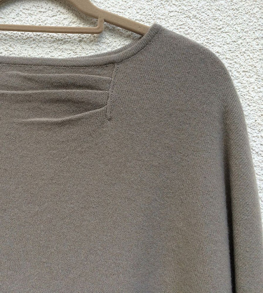 One sleeve cashmere poncho in Mushroom grey