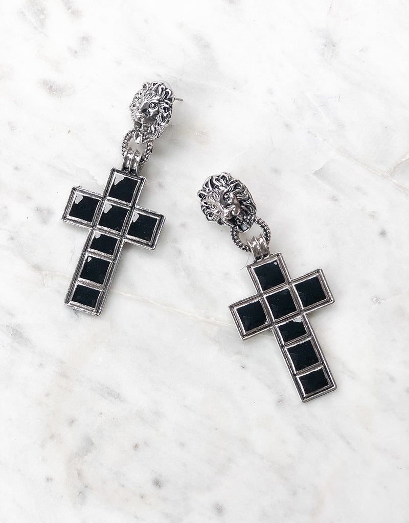 LIONESS CROSS EARRINGS JE996