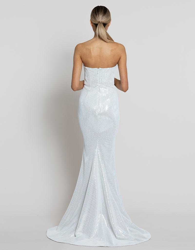 BYRNN STRAPLESS GOWN WITH TRAIN B42D57LT