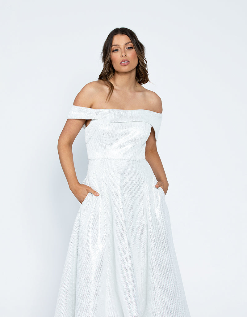 TAMIA OFF SHOULDER GOWN B42D55HL