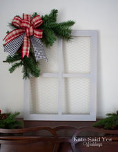 Christmas Card Holder, Chicken Wire Frame, Farmhouse Christmas Decor, Rustic Card Holder