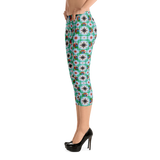 Macaw 4-way Pattern Capri Leggings