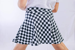 Black & White Checkers (Preorder)