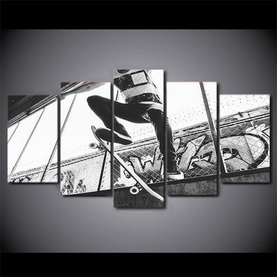 Limited Edition 5 Piece Skateboarding Black And White Canvas