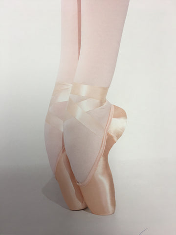 Airess Broad Toe Pointe Shoe