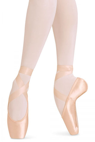 European Balance Pointe shoes Bloch in pink for ballet