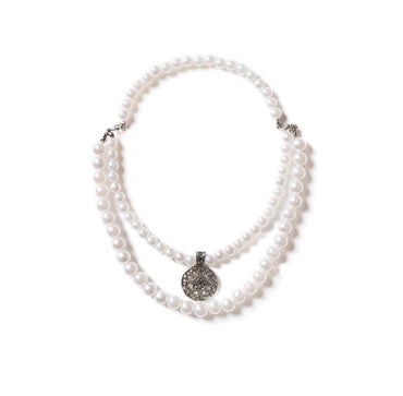MAISON EMERALD : PEARL NECKLACE