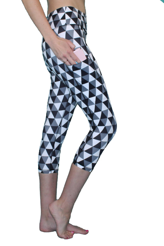Black and White Pixel - Pocket Capri