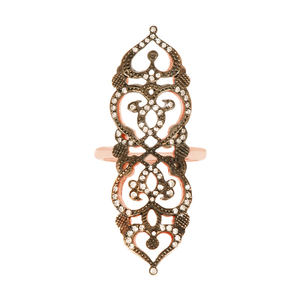 Ring 'medieval' in 18k rose gold engraved and set with diamonds