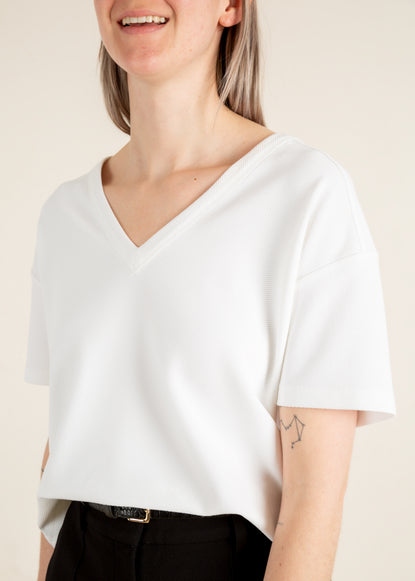 Rib t-shirt in wit met v-hals