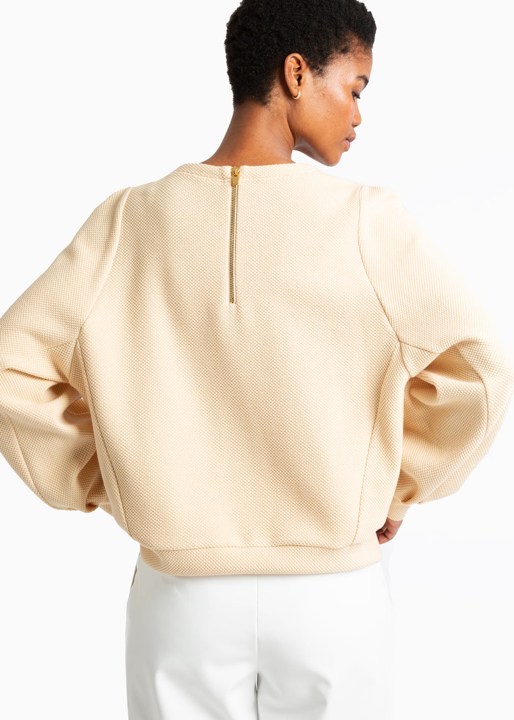 Relaxed struc sweater