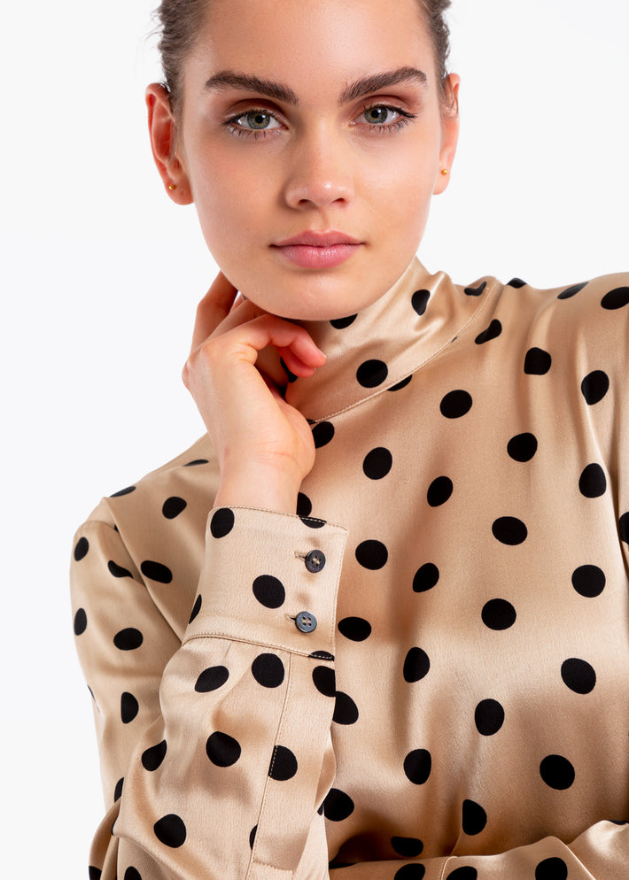 Viscose top met polkadot