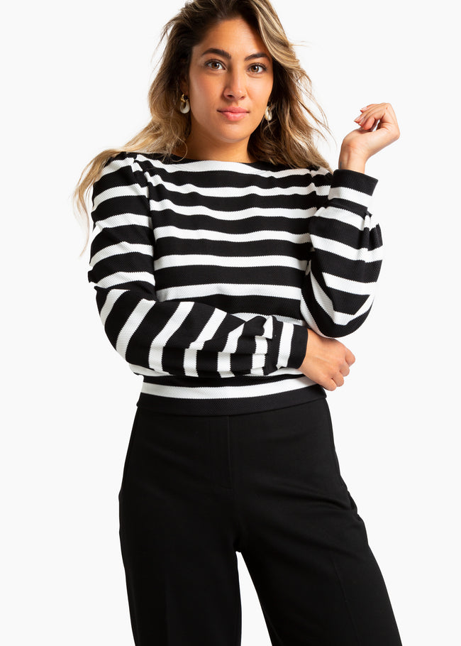 Sweat striped pleat