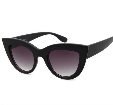 MATTE BLACK CAT EYE RETRO SUNGLASSES