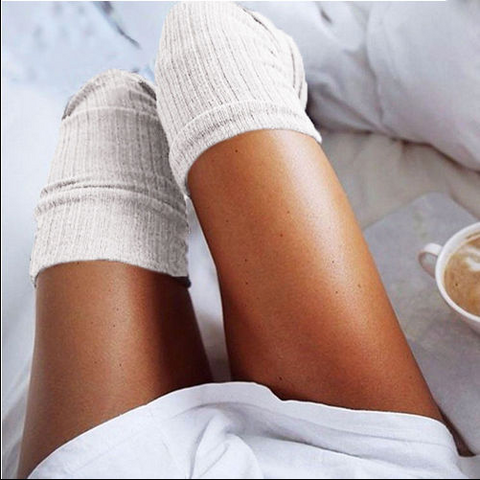 WHITE LUXURY KNEE HIGH SOCKS