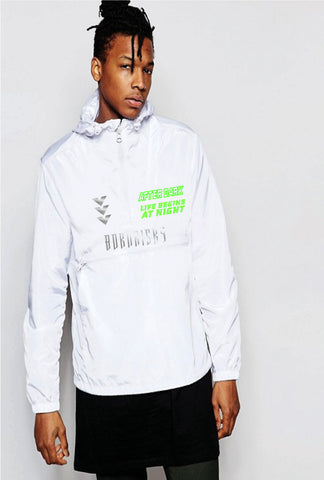 AFTER DARK: WHITE OVERHEAD WINDBREAKER WITH REFLECTIVE DETAIL