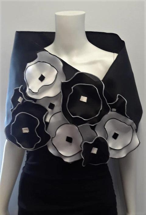 Black and White Flower Wrap